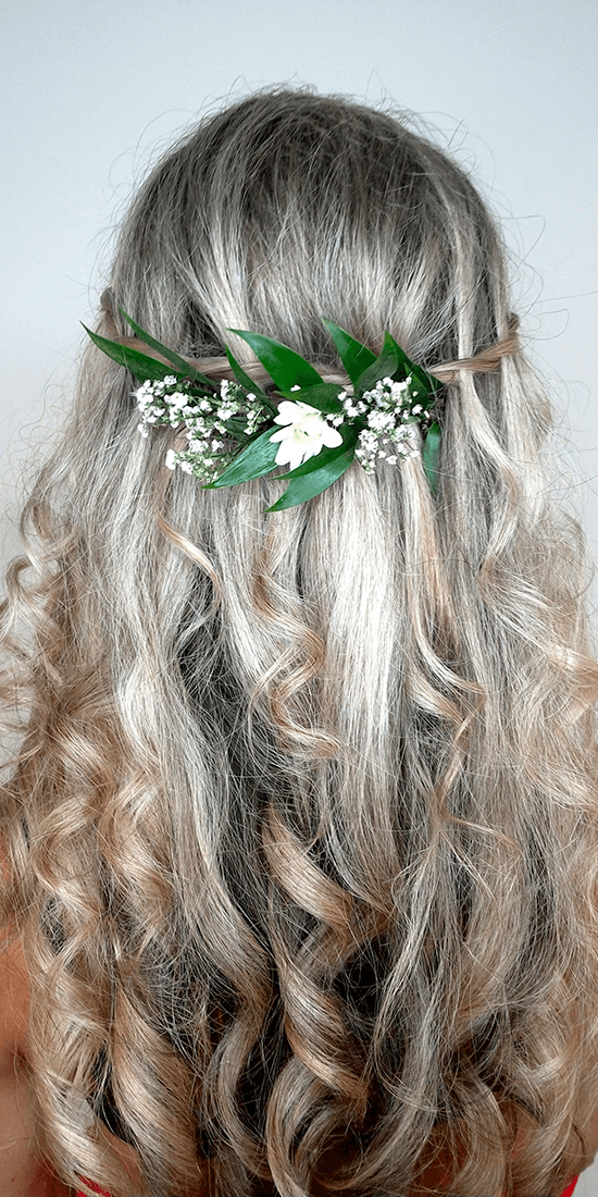 Boho účes z dlouhých vlasů