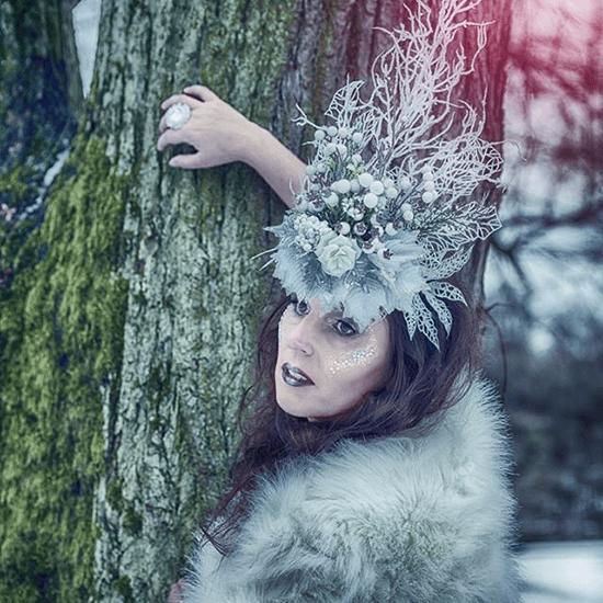 Fantasy focení, ledová královna, bílá koruna, tématický foto make-up, zmrzlý look