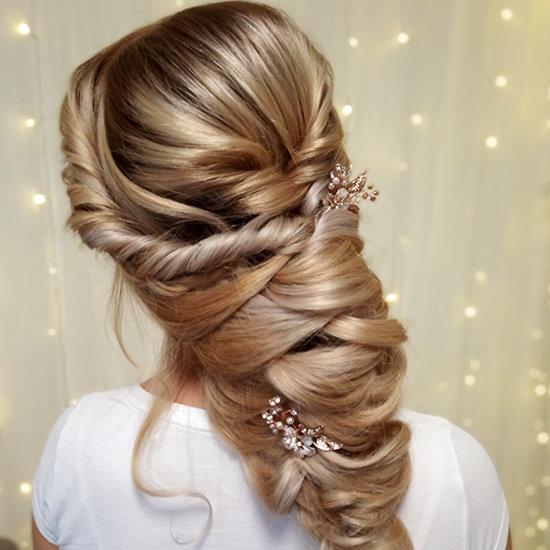 Objemný účes, účes dlouhé vlasy, svatební účes, účes z blond vlasů, společenský účes, bohatý účes, účes na ples