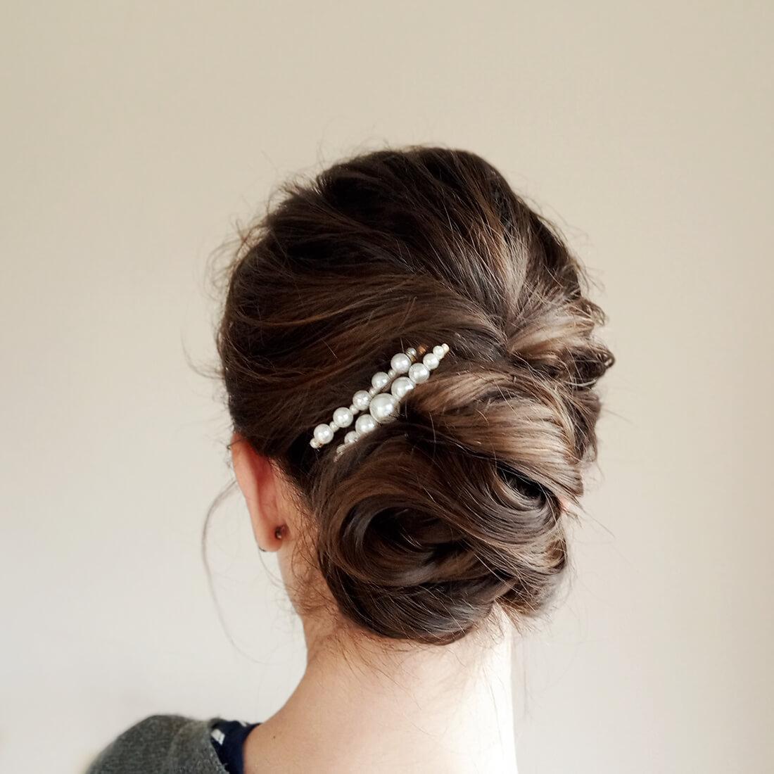 nízký drdol s perlami